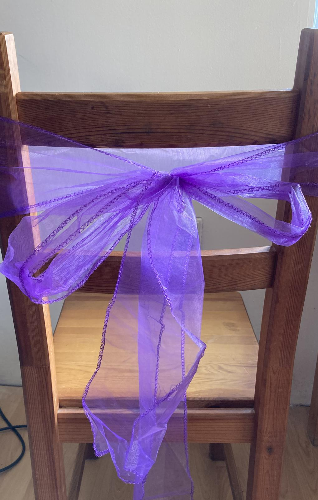 50x fialová mašle na židli - Obrázek č. 2