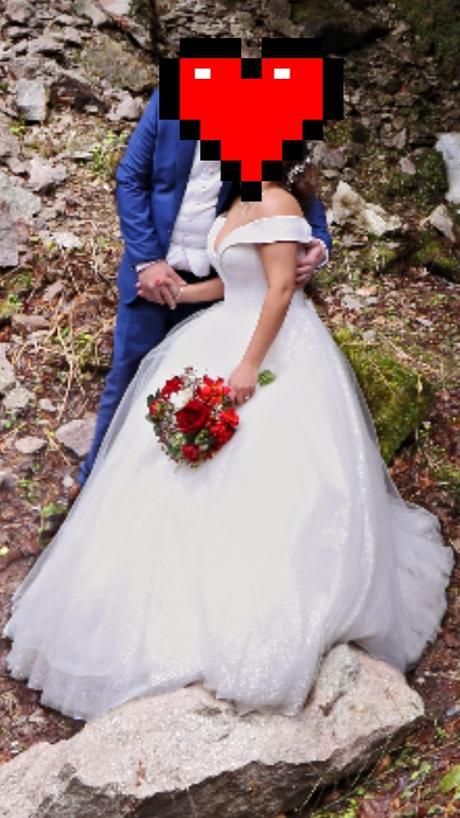 luxusné svadobné šaty - Obrázok č. 1