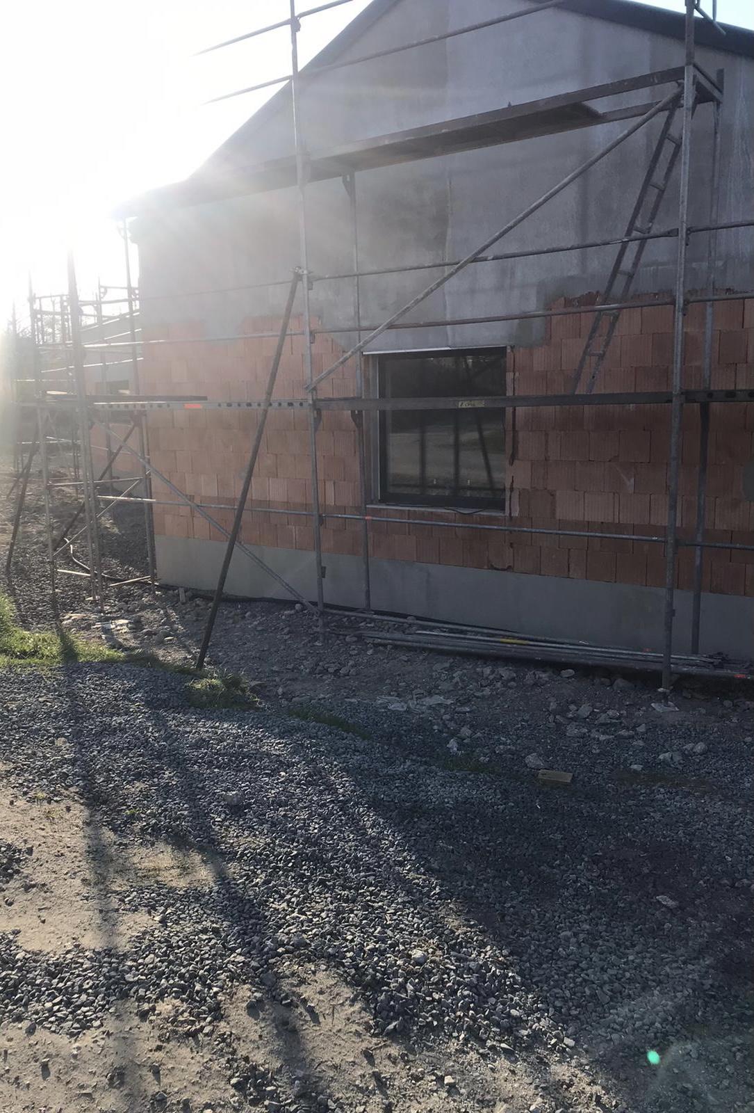 Pod Horou... - 28/04 nachystano na venkovní omítky