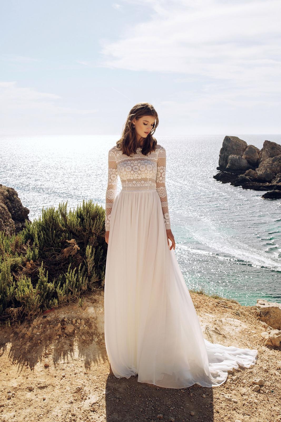 Svatební šaty + závoj - Obrázek č. 1