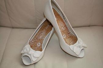 Svatební botinky(ale nejspíš budou ještě jiné)