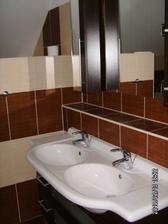 Horní koupelna - umyvadla