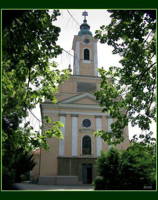 Ivetka a Romanko 04.09.2010 - takýto je náš krásny kostolík