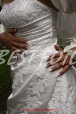 Detailík na šaty