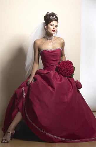 Necha sa niekto vyprovokovat? - Netypicke svadobné šaty II. - Obrázok č. 22