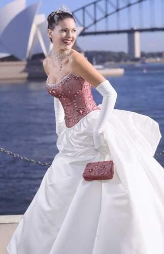Necha sa niekto vyprovokovat? - Netypicke svadobné šaty II. - Obrázok č. 28