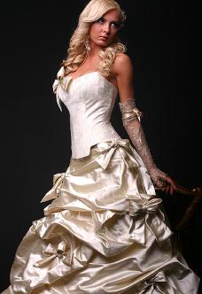 Necha sa niekto vyprovokovat? - Netypicke svadobné šaty II. - Obrázok č. 36