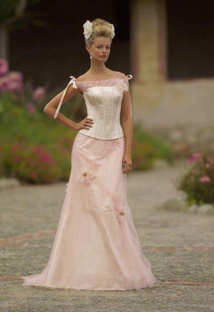Necha sa niekto vyprovokovat? - Netypicke svadobné šaty II. - Obrázok č. 54