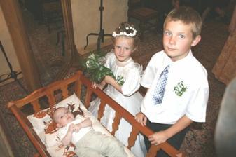 nejmladší svatebčánci-neteř a synovci:o)
