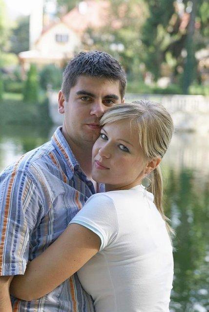 22.9.2007 o 16:00 - predsvadobné fotenie ... ľúbim ťa :)