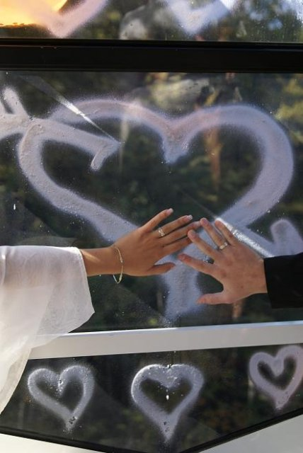 Detaily našej svadbičky + posedenie Žilinčaniek :) - prstienky....