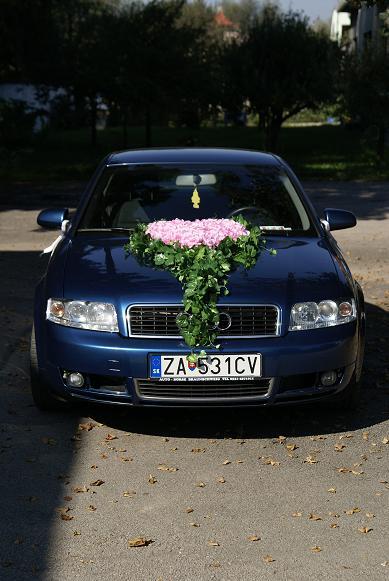 Zuzka{{_AND_}}Maťko - svadobné autíčko