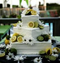 Chtěla bych dort ozdobeny limetkama
