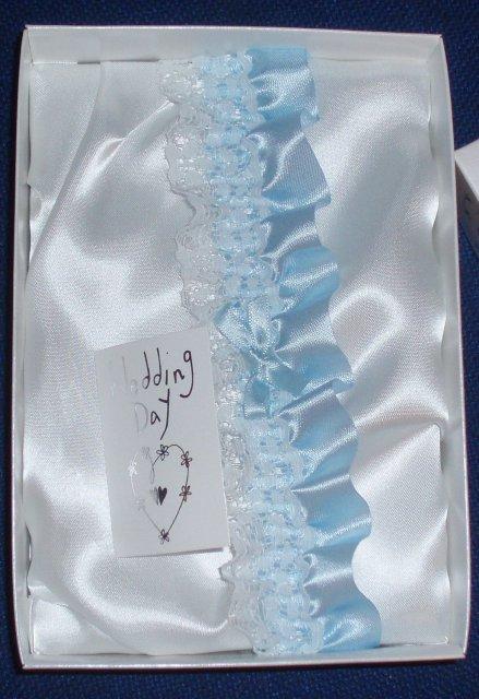 Od prstienka ku svadbe - a dnes som si kupila tento prekrasny podvazok 07.06