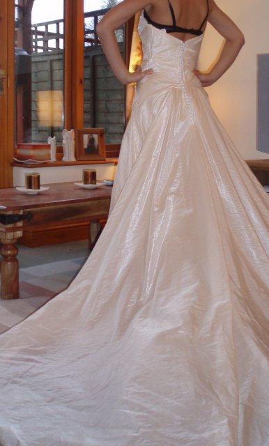 Od prstienka ku svadbe 2. SKUSKY SIAT... - A toto su moje prekrasne saticky LA SPOSA PARADISO. Ako stvorene na letnu svadbu...kupene november 2007, po svadbe na predaj