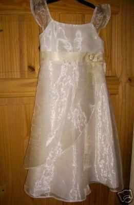 Od prstienka ku svadbe 2. SKUSKY SIAT... - a taketo saticky som kupila pre moje krsniatka...