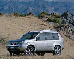mé svatební autíčko - Nissan X-trail