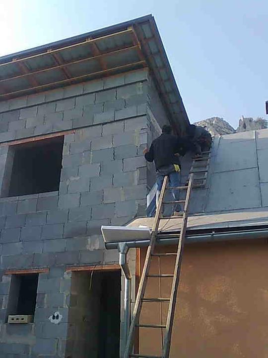 Mini domček - dokončovanie strechy