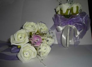 Junior bridesmaids bouquets