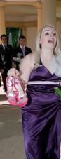 Svědkyně a její striptérské boty na 11cm podpatku