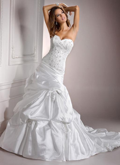 Posezonní odprodej svatebních šatů + boty ZDARMA! - Casey - 7000 Kč + boty ZDARMA