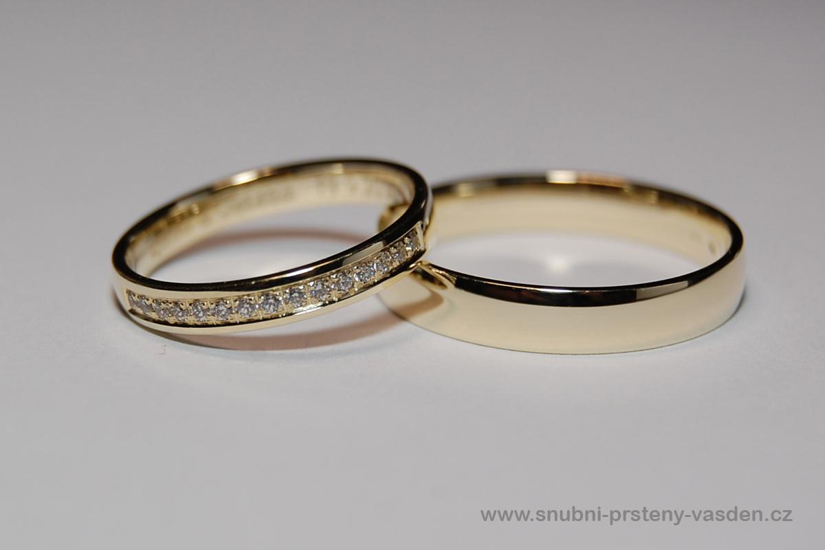 Vánoční sleva zásnubních a snubních prstýnků -10% - Snubní prsteny - model 126 ve žlutém zlatě. Cena po slevě -10% je cca 14120 Kč se zirkony a 18690 Kč s brilianty. http://www.snubni-prsteny-vasden.cz/