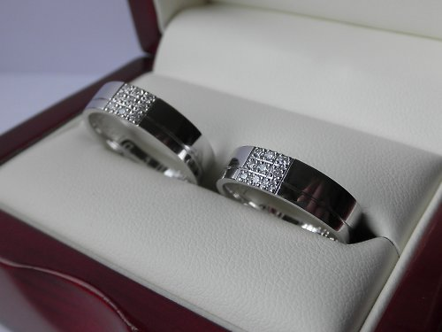 Notre mariage - Oba budeme mít prsten s kameny, abychom se neprali :-)