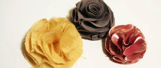 Na základ látkové květiny je třeba devět koleček libovolné velikosti
