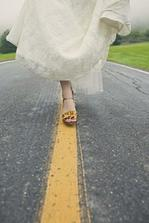 Follow the way to the wedding ceremony! :-)