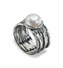 Zásnuby dívky s perlou