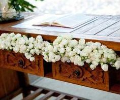 Stůl v obřadní síni nemusí být nudný