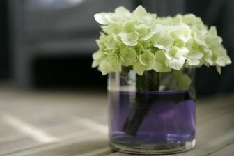 I voda na květiny může být v barvě svatby :-)