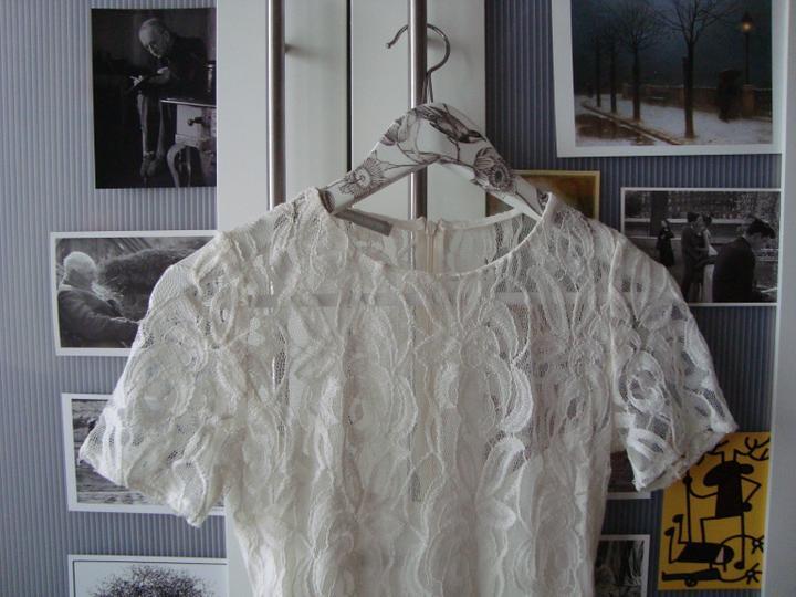 Notre mariage - Šaty na převlečení jak jinak než krajkové :-)