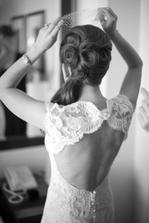 Krásný účes i šaty