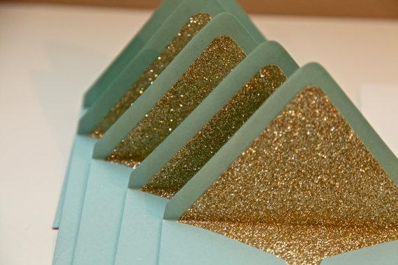 DIY návody a nápady - Gold glitter na stylové oznámení