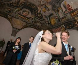 Do dna! Na šťastné manželství...