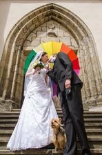 Původně plánovaný průhledný deštník zůstal bůhví kde... :-)