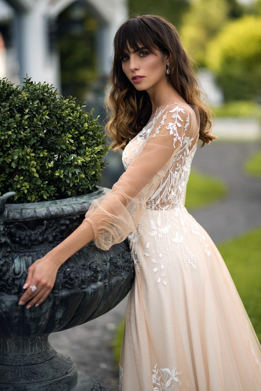 Svadobné šaty - nová kolekcia - WEDDING GALLERY - Svadobné šaty - WEDDING GALLERY - svadobný salón Bratislava