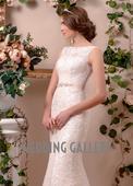 Čipkované svadobné šaty s lodičkovým výstrihom, 38