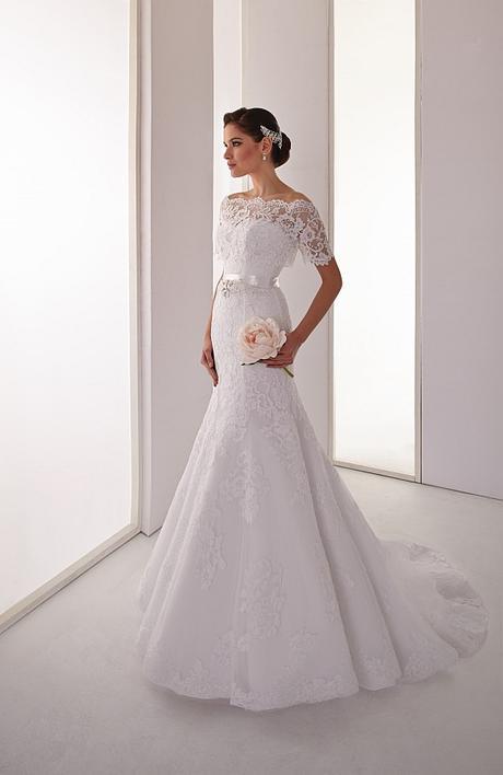 Svadobné šaty z bielej čipky s bolerkom - Obrázok č. 1