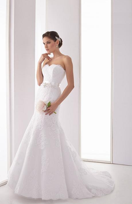 Čipkované svadobné šaty s bolerkom - Obrázok č. 1