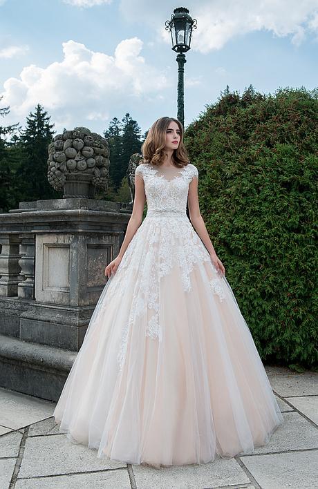 Svadobné šaty čipkované vo farbe ivory - Obrázok č. 1