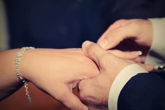 Hrozně se mi ta ruka třásla, tak si jí musel mužík trochu přidržet :-)