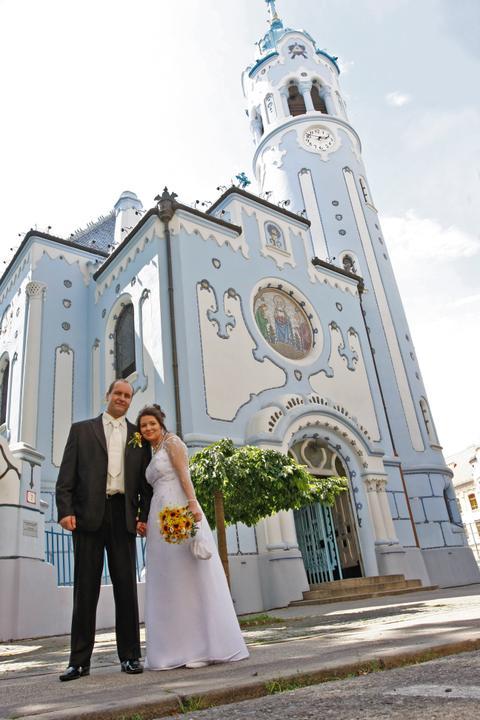 Anna S.{{_AND_}}Juraj - ..pred krásnym Modrým kostolíkom...