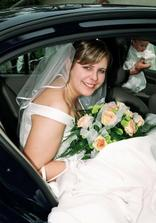 nevěsta v autě