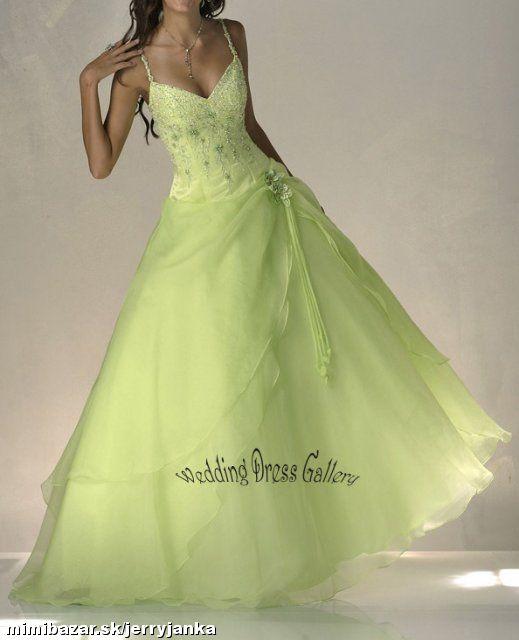 Prípravy na našu svadbu 19.09.2009 - Krásna farba a sukňa je pekná