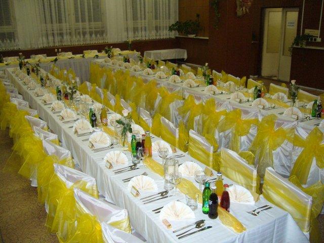 ...pripravičky, sladke pripravy... - takto sme si stoly vyzdobili