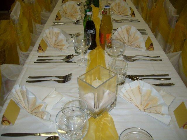 ...pripravičky, sladke pripravy... - detail na stol