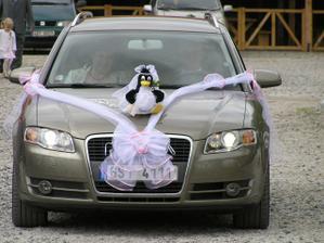 už jede nevěsta...
