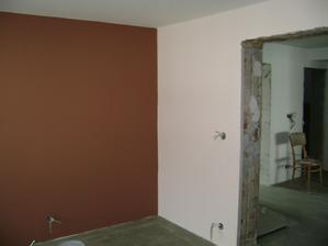 ložnice z jiného úhlu... ta světlá barva měla být jiná, ale malíři to trošku popletli :-/
